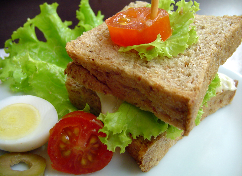 Sanduíche mini pão pulmann